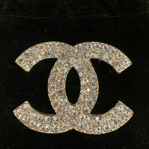 Beautiful Gold Brooch 😉😉😉😉😉